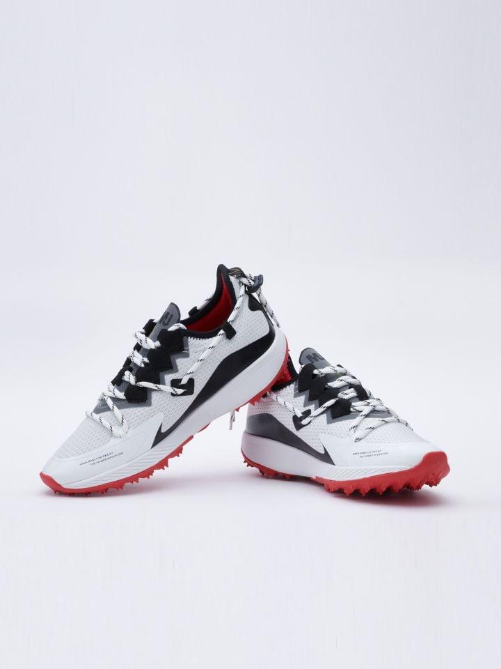 נעלי ספורט אופנתיות בשילוב סוליית קוצים